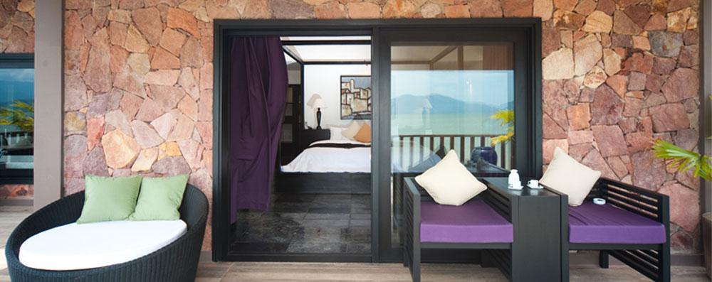Aqua bungalow