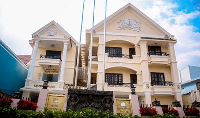 Khách Sạn Le Petit Paris Sài Gòn