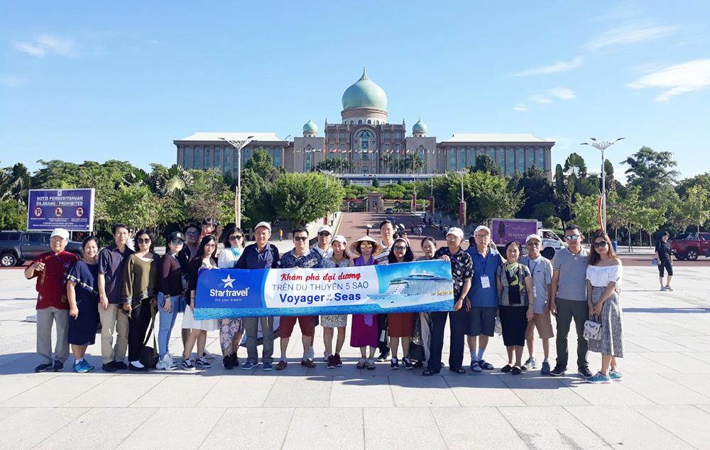 Đoàn khách tham quan Singapore - Malaysia - Thái Lan ngày 11/02/2019