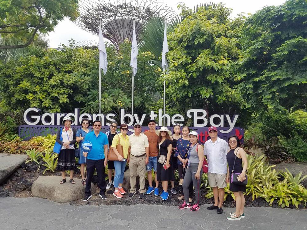 Đoàn khách tham quan Singapore - Malaysia ngày 02/11/2018