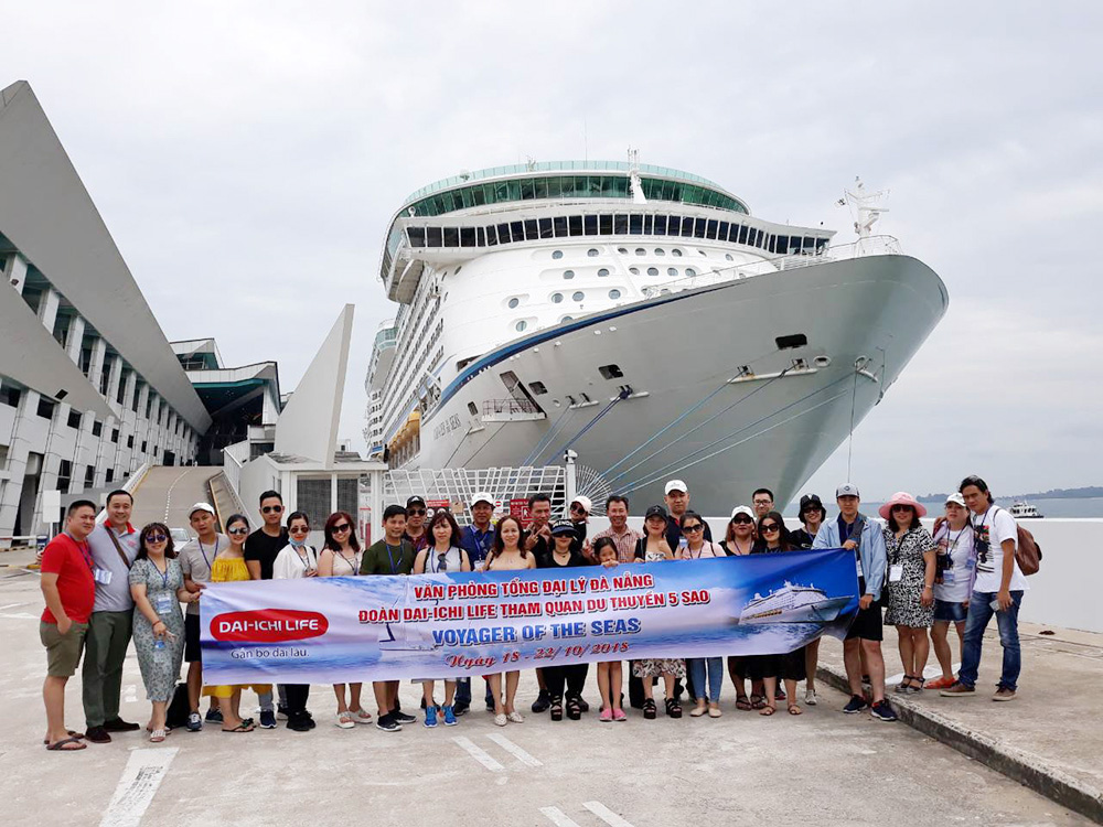 Đoàn Dai-IChi Life Đà Nẵng tham quan Singapore - Malaysia - Thái Lan ngày 18/10/2018