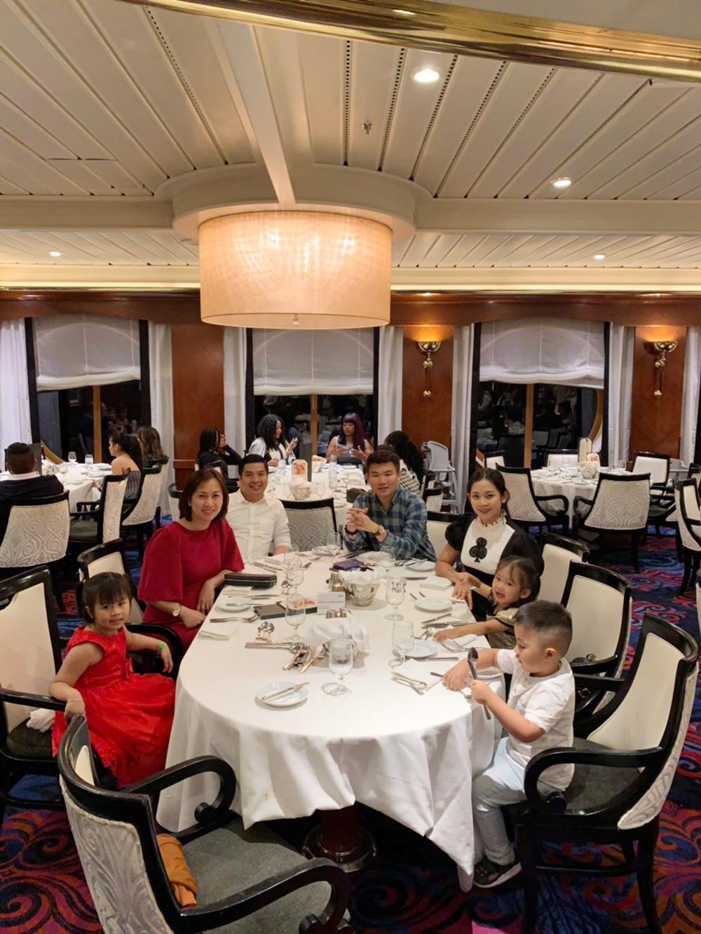 Đoàn khách tham quan Singapore - Malaysia - Thái Lan ngày 18/02/2019