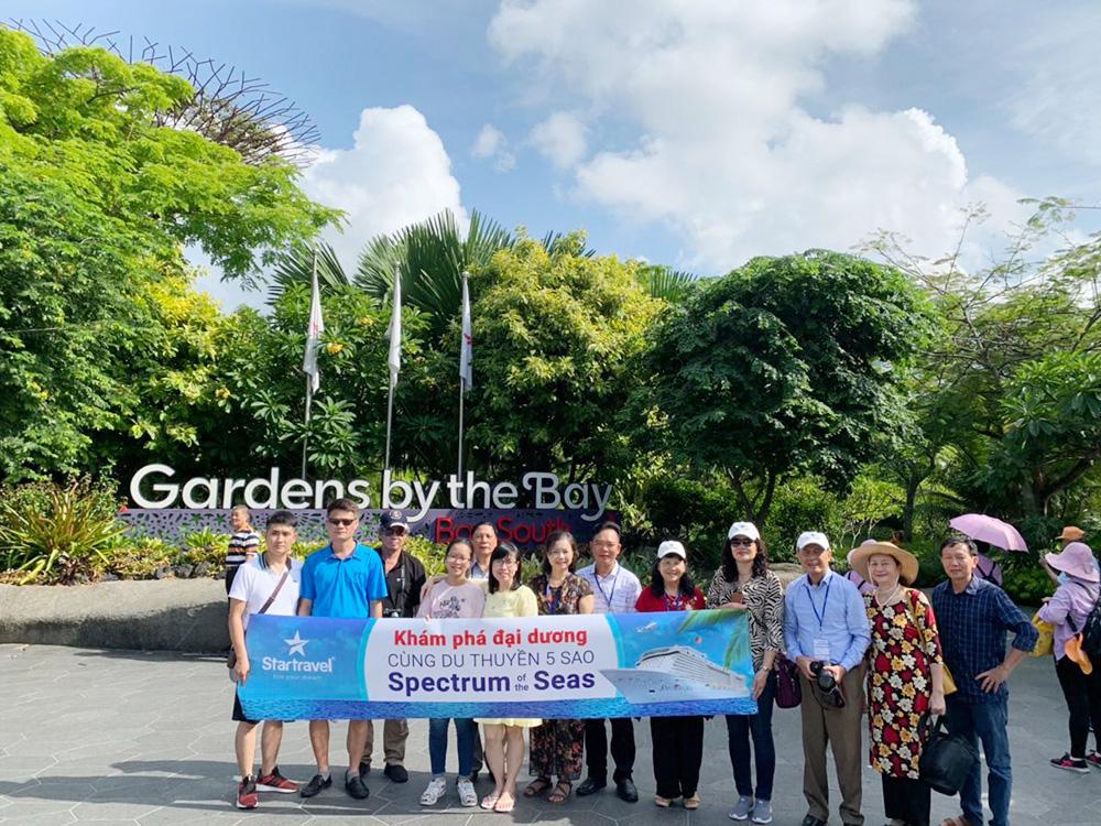 Đoàn khách tham quan Singapore - Malaysia ngày 18/05/2019
