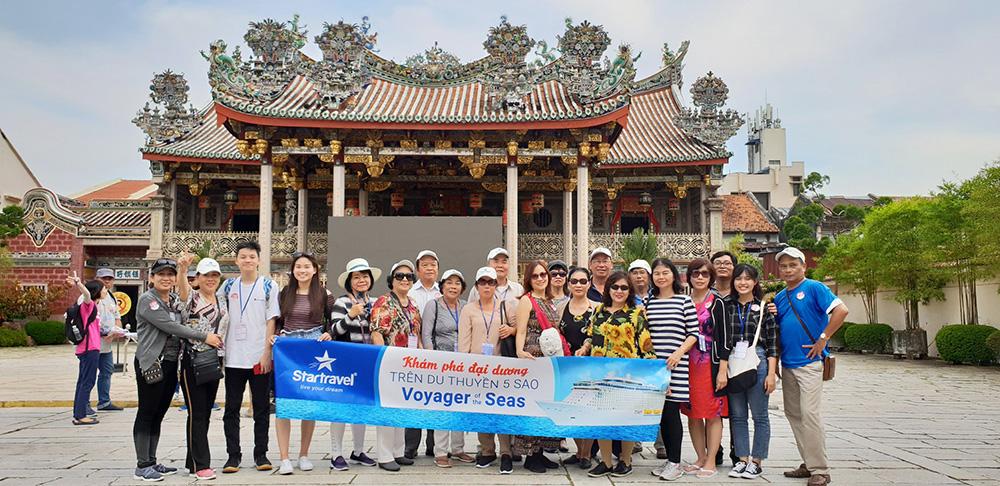 Đoàn khách tham quan Singapore - Malaysia ngày 15/02/2019