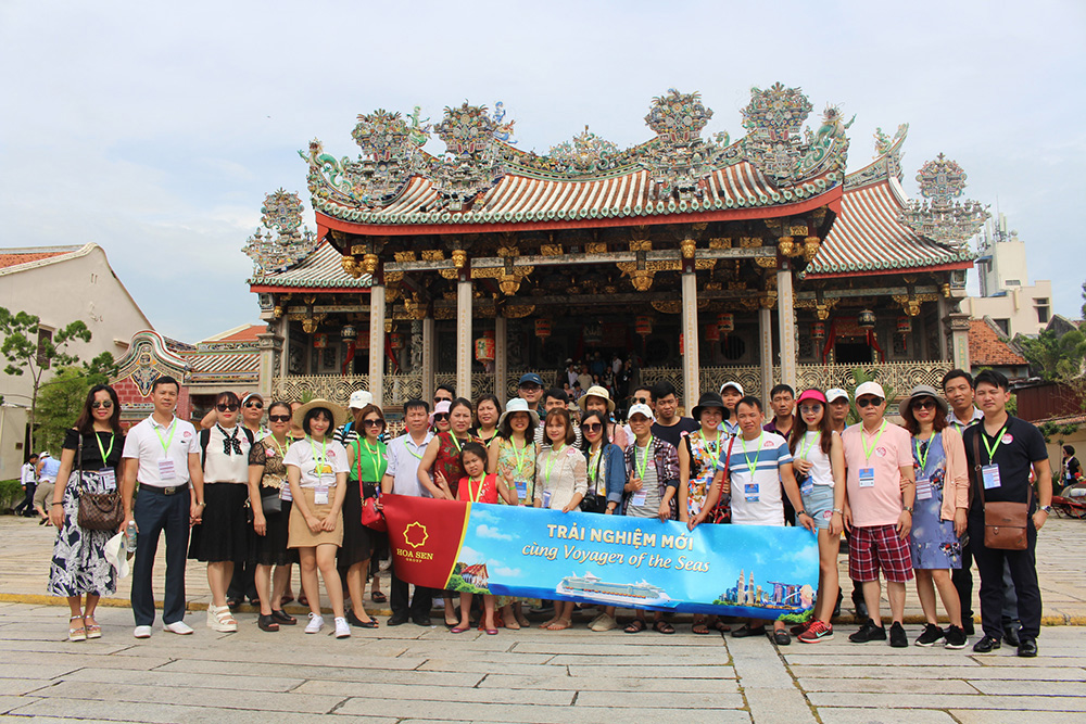 Đoàn khách tham quan Singapore - Malaysia - Thái Lan ngày 28/05/2018