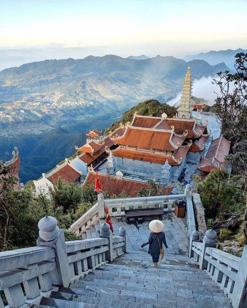 Ngày 04 ( Chủ nhật):  Hà Nội - Sa Pa  - Thác Bạc - Fansipan                (Ăn: Sáng, Trưa, Chiều)