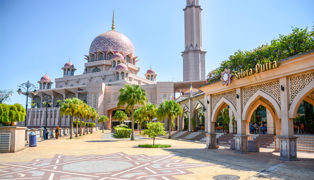 du thuyen 5 sao thanh duong mau hong Putrajaya Malaysia