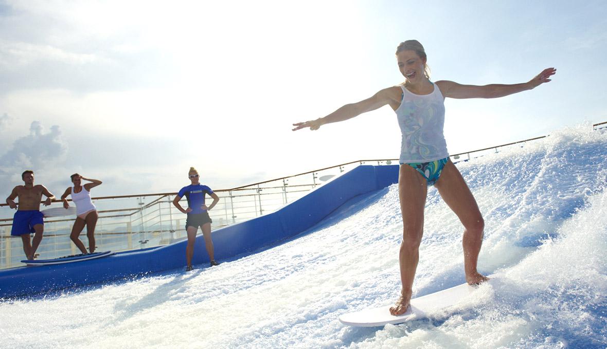 du thuyền 5 sao trượt ván trên du thuyền