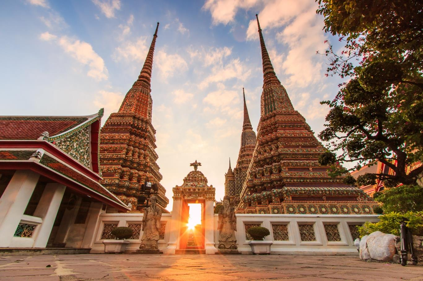Những ngôi chùa nhất định phải đến thăm tại Bangkok