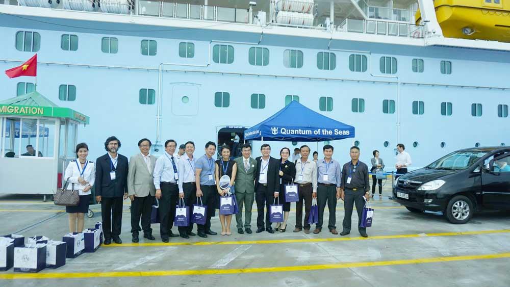 Quantum of the Seas đến Việt Nam và tương lai của ngành du lịch tàu biển