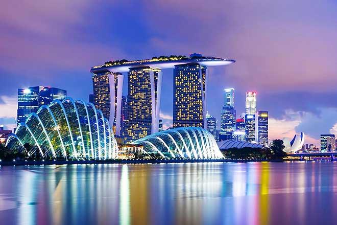 Hòa cùng cơn sốt Thúy Nga Paris by Night tại Singapore