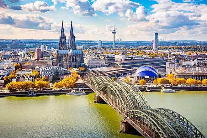 Cầu bắc qua sông Rhine