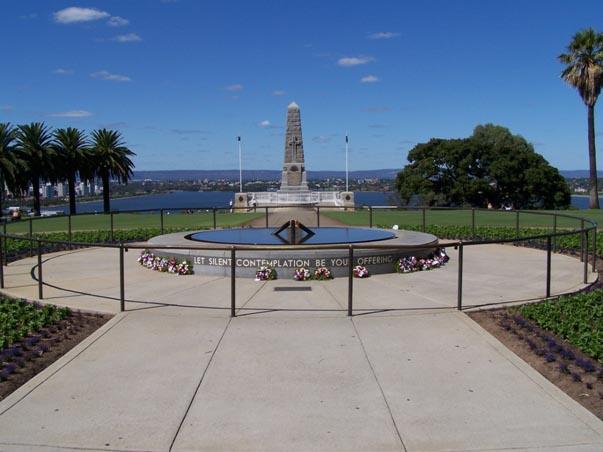 Kings_Park_War_Memorial.jpg